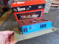 Vintage toys train jouet circuit ferroviaire chemin fer HO LIMA Gare Marchandise