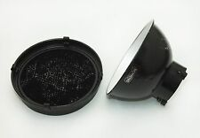 Bowens 65 Degree Maxilite Reflector & 3/8inch Honeycomb Grid for Maxilite Ref.