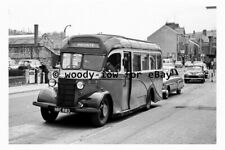 pt9092 - Coach Bus - HRE 883 at Matlock in 1961 - photograph