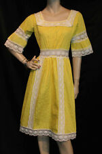 S VTG 60s MEXICAN YELLOW TUCK PLEATED CROCHET LACE BELL SLV BOHO HIPPIE DRESS