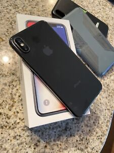 Apple iPhone X 64GB Black/Space Gray US Cellular Used With Cases Great Condition
