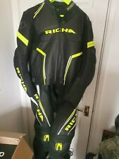 """Richa Monza Motorcycle Two Piece Leathers Men's UK 48"""" Jacket and Uk42"""" Trousers"""