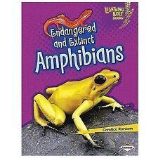 Endangered and Extinct Amphibians (Lightning Bolt Books - Animals in Danger)