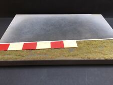 BB Models - Diorama Plate Racecourse, gras side and curbstone - 1:43