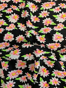 2.5 Metres Black Daisy Flowers Floral Printed Peachskin Dress Fabric 152cm Wide.