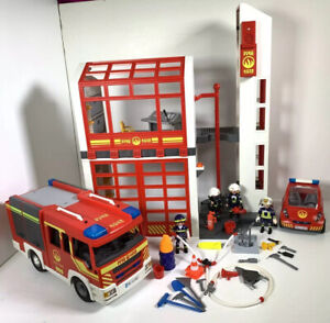 Playmobil Fire Station 5361 Fire Engine Lights & Sounds Fire Fighters Fire Car