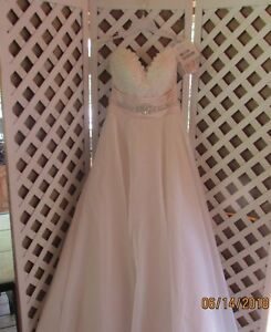 Maggie Sottero Memories 2003 Wedding Gown 6MS287 Size 8 Ivory over Soft Blush