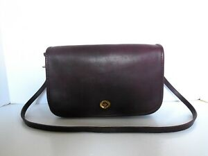 VINTAGE COACH 9635 BURGUNDY CONVERTIBLE CLUTCH