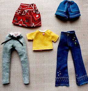 BLYTHE DOLL CLOTHES LOT