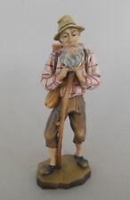 Wandersmann mit Stock und Kraxe ca. 20 cm hoch, Holz geschnitzt bemalt Wanderer