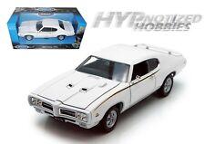WELLY 1:24 1969 PONTIAC GTO DIE-CAST WHITE 22501