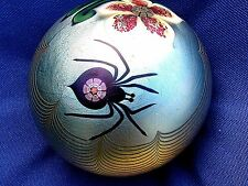 """Vtg. ORIENT AND FLUME SPIDER/FLOWER PAPERWEIGHT: Iridescent Gold  Base, 3"""", 1978"""