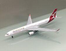 JC Wings 1/400 Qantas Airways Airbus A330-300 VH-QPJ Rainbow Roo metal model