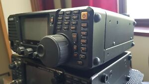 Alinco DX-R8   Communications Receiver