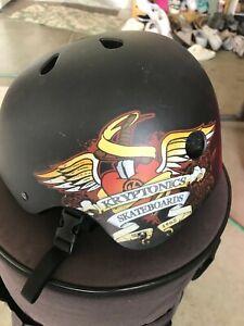 Kryptonics Boys Skateboard Helmet - Black w/ventilation. Size Sm Great Condition