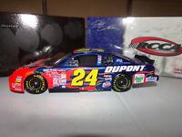 1/24 JEFF GORDON #24 DUPONT HALF CLEAR CAR  2001 ACTION NASCAR DIECAST