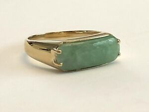 14kt Yellow Gold Jade Rectangular Ring Unisex $895