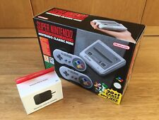 SUPER Nintendo Entertainment System SNES Classic Mini con Nuovo di Zecca adattatore USB
