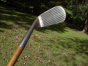 SPALDING DEEP GROOVE  MASHIE NIBLICK #6  ANTIQUE HICKORY SHAFTED GOLF CLUB