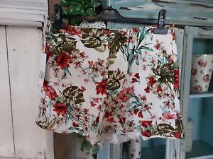 New Zara Floral Shorts Size Large
