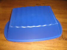 TUPPERWARE   BLUE ALFRESCO LARGE BREAD OR SERVING CONTAINER..