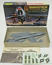Aurora 299-39 REPUBLIC F84 THUNDERSTREAK 1:82 model kit
