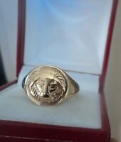 Attractive UNUSUAL 9ct Yellow Gold LION Signet Style Ring h/m 1976  -  size S