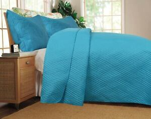DaDa Bedding Gentle Waves Turquoise Teal Light Blue Lagoon Quilted Bedspread Set