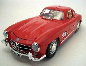 1954 MERCEDES 300 SL GULLWING RED 1/18 DIECAST MODEL CAR BY BBURAGO 12047