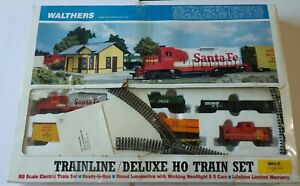 NOS Walthers Trainline Deluxe HO Scale Train Set With Train Station Santa Fe NIB