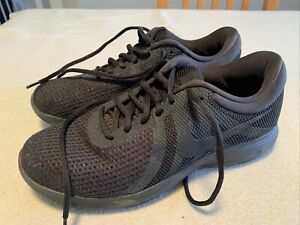 Women's Boys Nike Revolution 4 Running Fitness Trainers Size Uk6