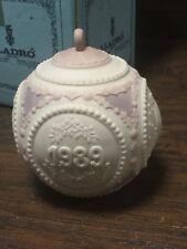 20675 Authentic Lladro Annual 1989 Christmas Porcelain Ornament ~ Navidad
