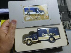 CORGI -56404 -Guinness Serie-DIAMOND T 620 Box Van -1:50 - numerato -MB- NICE