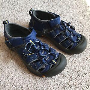 Keen Newport H2 blue waterproof kids sandals size 1
