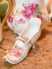 ANTIQUE PORCELAIN LADY SLIPPER SHOE CABBAGE ROSES GERMAN? GOLD GILT LOUIS HEEL