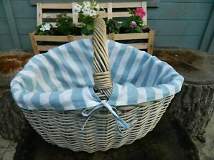 LARGE BLUE WICKER BASKET, PICNIC HOLDER with removeable BLUE AND WHITE LINING