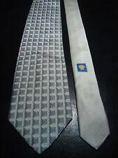 Versace Men's Vintage Silk Tie in an Embossed Silver Geometric Pattern
