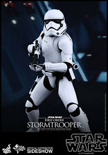 Hot Toys/Sideshow: Star Wars- First Order Stormtrooper 1/6th Scale Figure