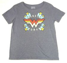 Wonder Woman Large Gray Short Sleeve Graphic T-Shirt Red Yellow White Aqua