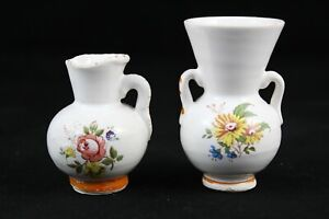 2 Jars Of Miniature Porcelain Houses Of Dolls, Kitchen Juguete. Years 70