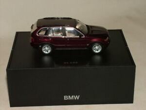 MINICHAMPS METALLIC MAROON BMW X5 3.0d DIECAST 1:43 IN BMW DEALER BOX