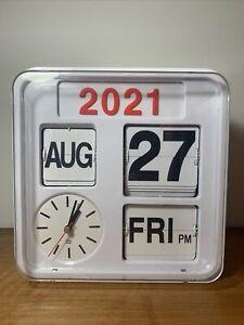 HABITAT Flap Auto Flip Calendar Clock White  Analogue Quartz Battery