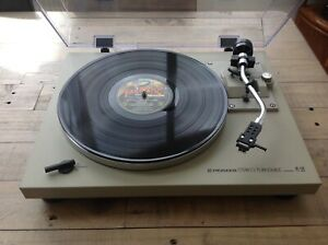 PIONEER PL512 TURNTABLE classic hifi new dust cover excellent condition