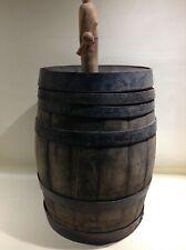 Ancien grand tonneau bois véritable Et fer forgé avec canule