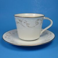 Noritake DUETTO Cup & Saucer Set (s) 6610 Japan Gold White Scrolls