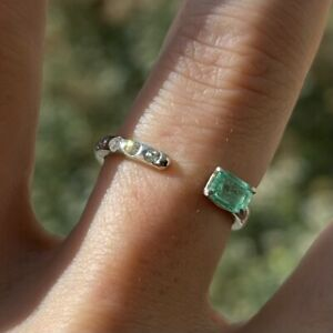 New! 14k White Gold Negative Space Ring - Natural Diamond & Emerald - Size 6.5