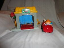 Fisher Price Little People 2002 Discovering Vehicles  Garage CAR WASH  Truck Toy