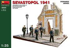 MiniArt Models 1/35 Sevastopol 1941 (Ruined Building+5 figures+Diorama Base)