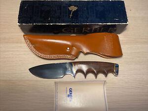 Vintage Gerber 400S Presentation Fixed Blade Knife w/Gerber Leather Scabbard