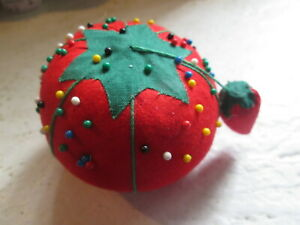 SEWING RED TOMATO VINTAGE PINCUSHION COLORED MULTI PINS NEEDLE HOLDER CHRISTMAS